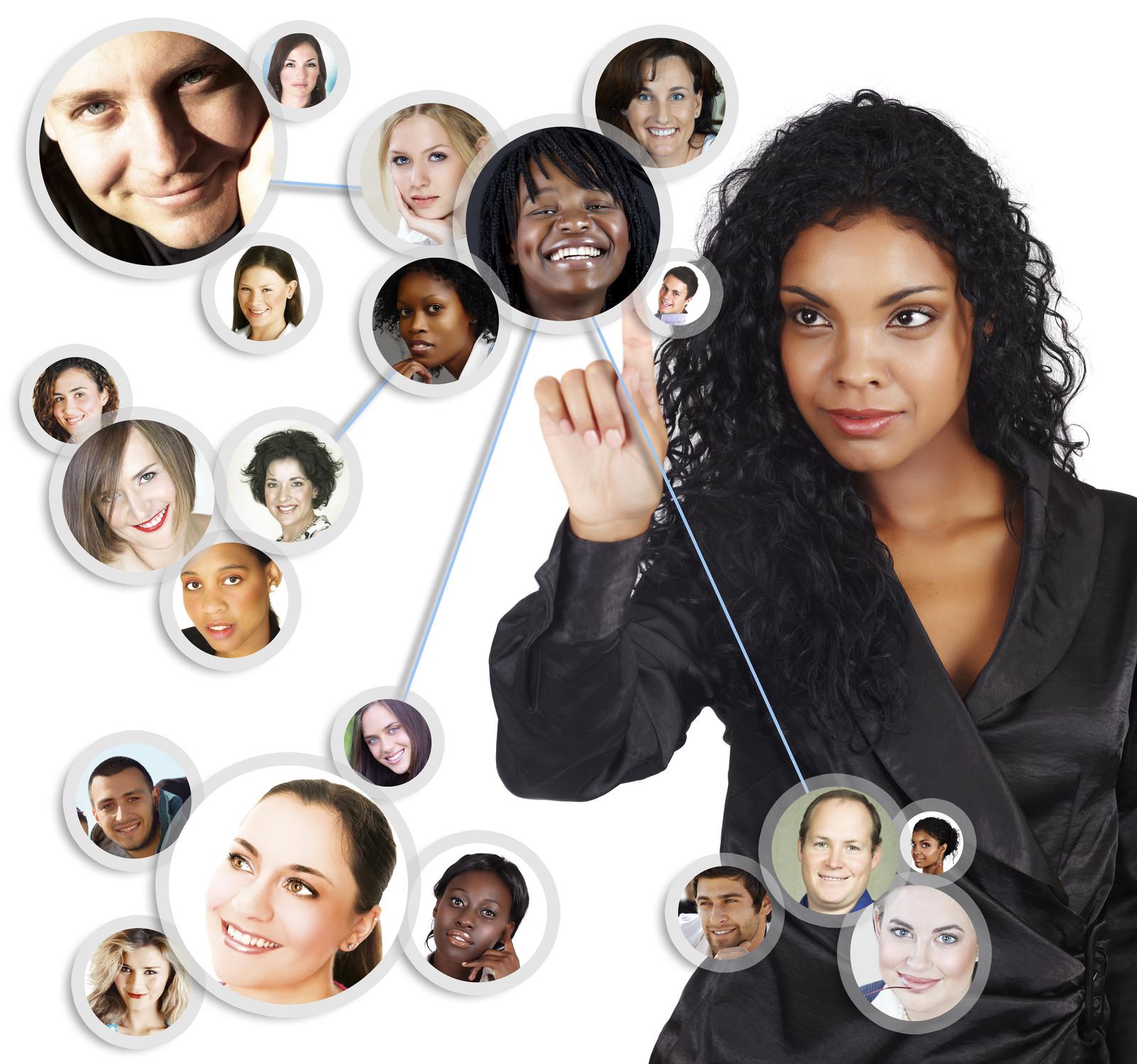 post 9 Extraños en las redes sociales