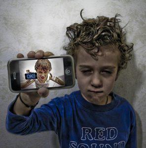 Los jóvenes son actores en las redes sociales
