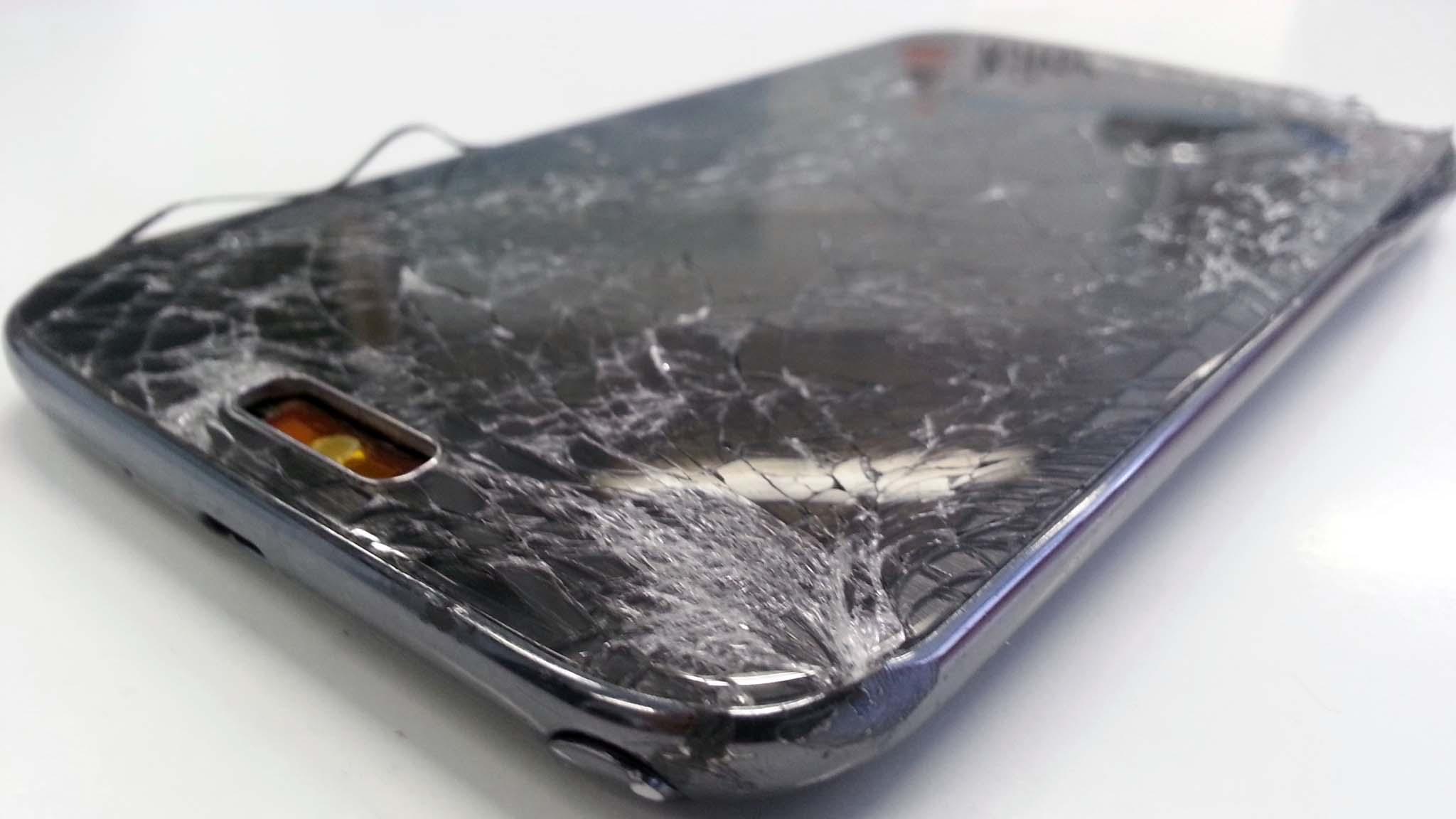 post 13 Los peligros de una pantalla rota